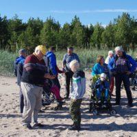 lc-kuressaare-perekodu-lastega-piknikul